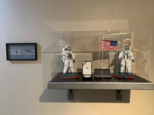 astronaut display case2