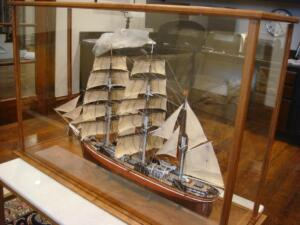 sailship-display-case2