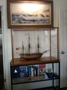 ship-display-case-stand