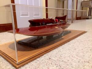 speed-boat-display-case-2