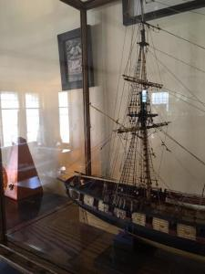 US Siren2 Model ship Display Case