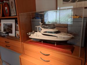 acrylic-display-case-model-yacht-ship-no-base