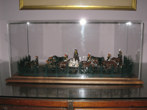 army-miniature-display-case-2