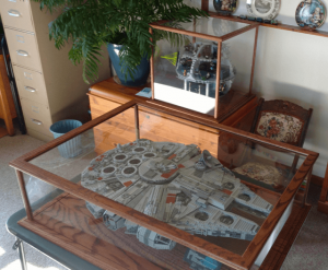 lego-death-star-millenium-falcon-display-case lego display case