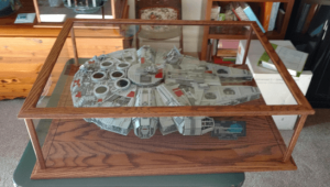 lego-millenium-falcon-display-case