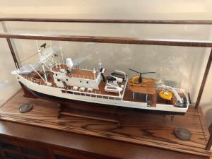 model-ship-display-case-base-helicopter