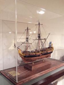 model-ship-display-case-base